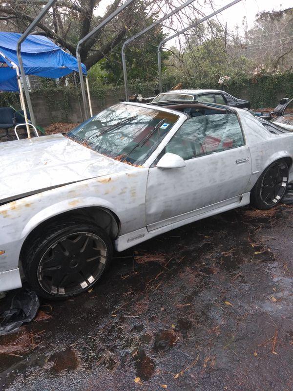 We buy junk cars (Cars & Trucks) in Decatur, GA