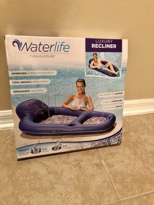 WaterLife luxury recliner. New in box.