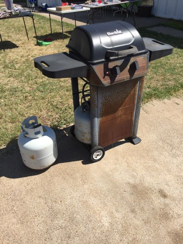 Gas Grill With 2 Tanks Household In Crowley Tx