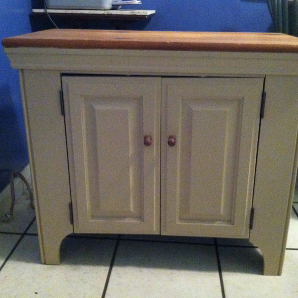 Small tv cabinet furniture in tampa fl offerup for Furniture 33647