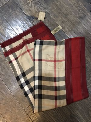 Burberry scarf new