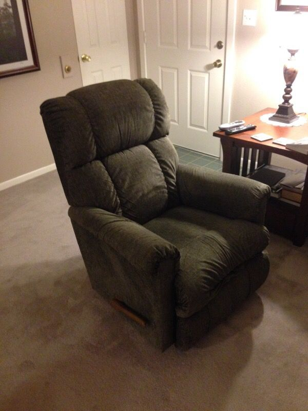 lazy boy rocker recliners furniture in renton wa offerup