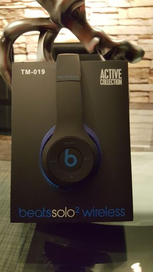 Black/blue wireless headphones