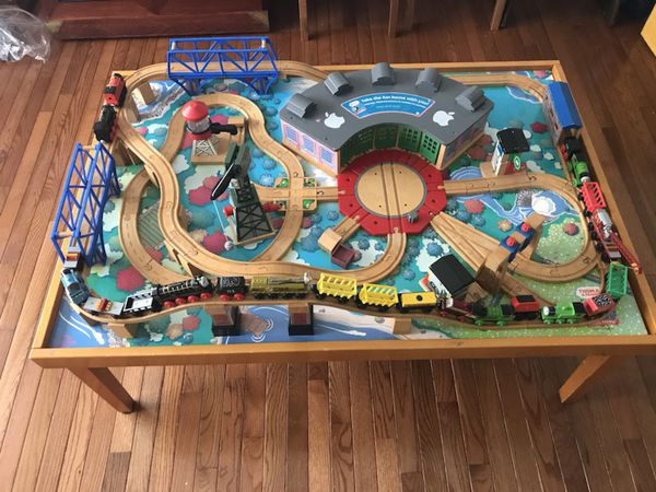 Thomas the Train Table Set with 22 pieces included