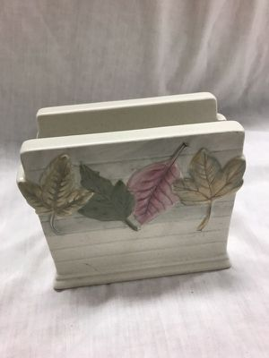 """Mikasa"" Ceramic Leaf Designed Napkin Holder"