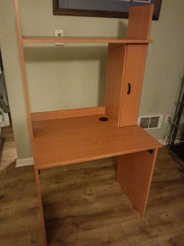 Desk furniture in edmonds wa offerup for Furniture edmonds wa