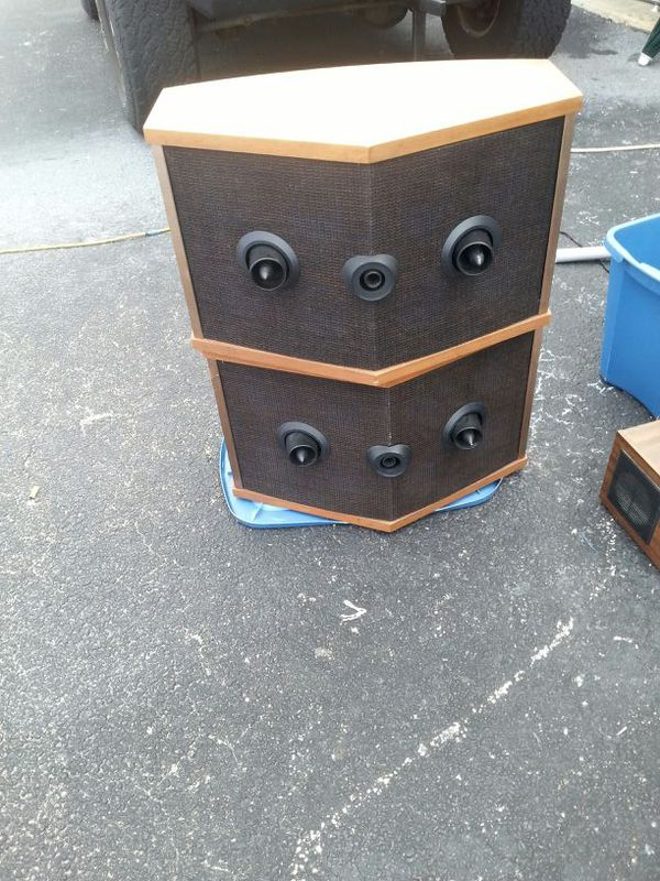bose 901 series iv. bose 901 series .. only the set speakers no stands....yes bose iv