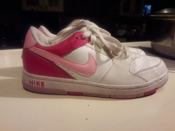 GIRLS 3Y Nike sneakers