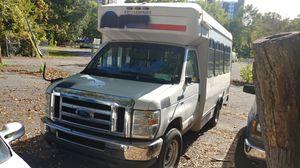 2010 Ford E-350 Handicap van bus