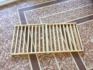 2 extendable wooden dog gates