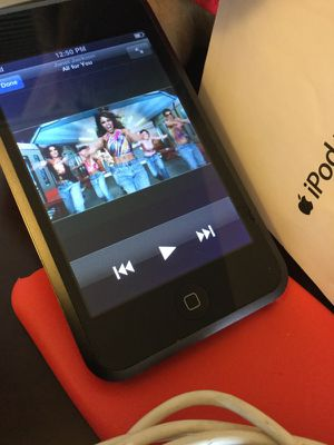 Love iPod Touch 😎🎧📱Cool Black iPd Touch with Music Videos 🎶Songs & Pod Cast 62 Artist 🎸🎶
