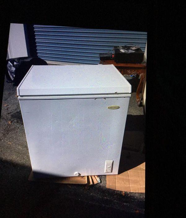 5 cubic feet deep freezer Appliances in Macon GA