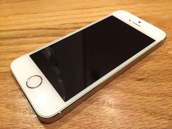 iphone 5s 32gb gold cell phones in auburn wa offerup. Black Bedroom Furniture Sets. Home Design Ideas