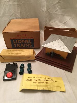 Lionel 114 Newsstand with Horn