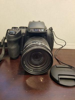 Fujifilm FinePix HS35EXR 16MP Digital Camera with 3-Inch LCD (Black)