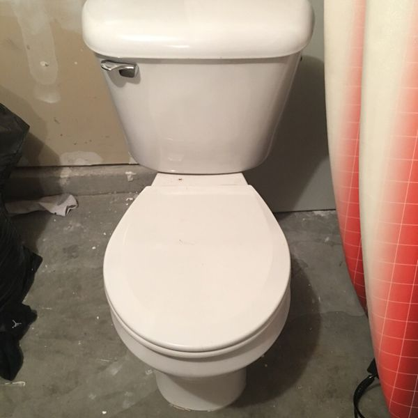Toilet furniture in everett wa offerup for Furniture in everett