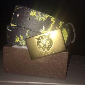 Black w/ yellow grass Gucci tiger belt