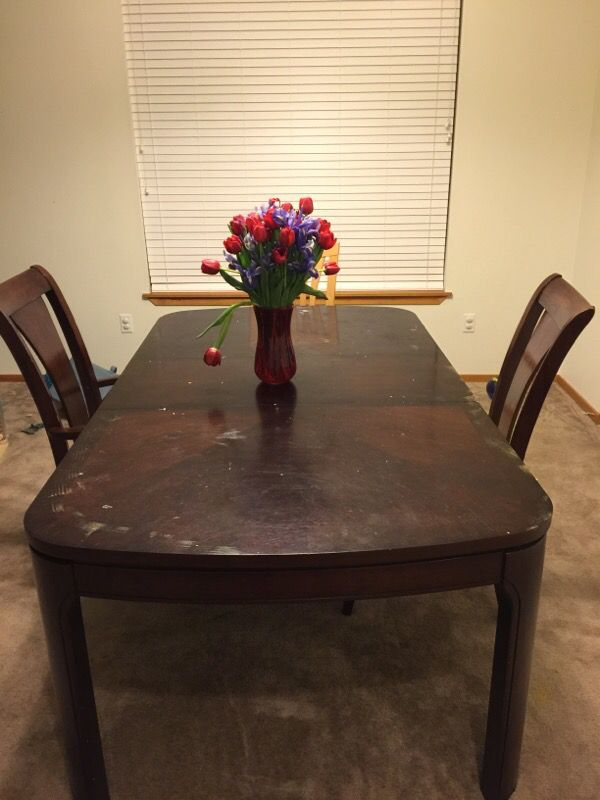 Macy 39 s dining room table furniture in marysville wa for Dining room tables macys