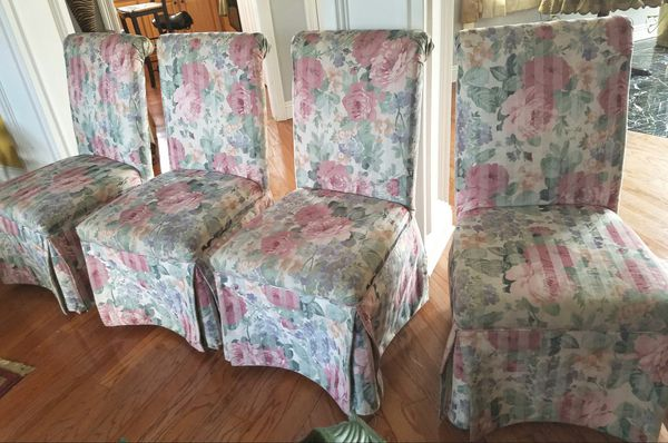 4 Chairs Great For Kitchen Or Dining Room