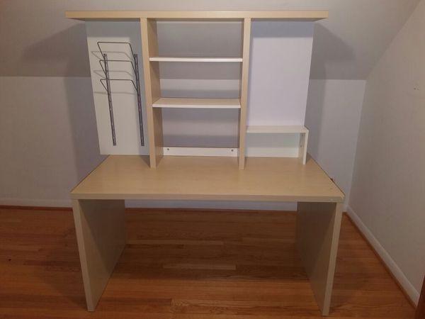 Desk furniture in chicago il offerup for Furniture 60618