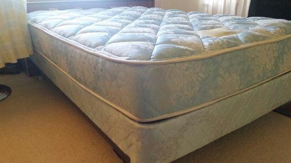 Full mattress set box spring frame Simmons Beautyrest