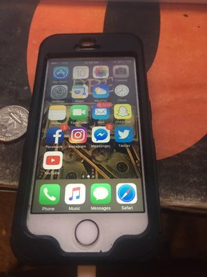 iPhone SE 64GB (Unlocked)