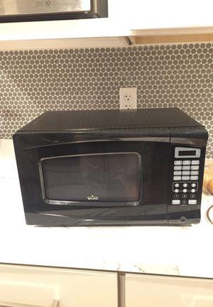 700 watt microwave