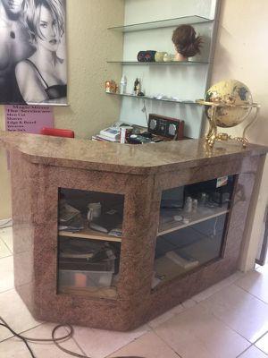 Desk / counter