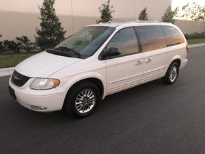 2002 CHRYSLER. TOWN. COUNTRY. 140,000 MILES