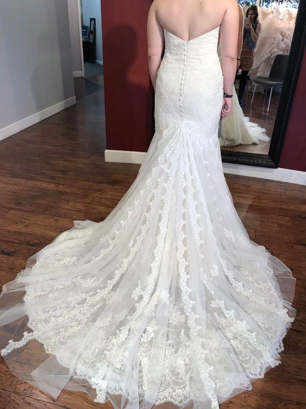 Wedding Dress/Bridal Gown - Essense of Australia (Clothing & Shoes ...