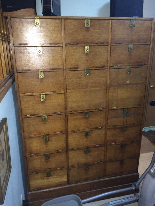 Solid wood antique vintage cabinet furniture in everett for Furniture in everett wa