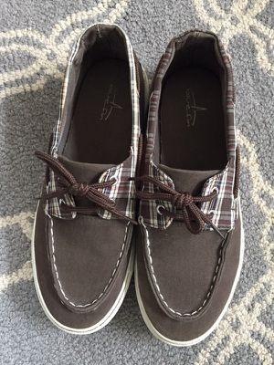 Blue fin boat shoes Men's size 6.