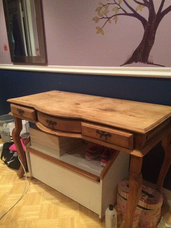 Rustic desk price is negotiable Furniture in Chicago