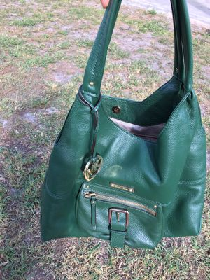 Authentic Michael kors. Large purse. Ocoee