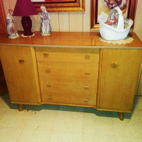 Blonde Buffet Furniture In Naperville Il Offerup
