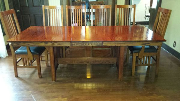 solid red oak dining table and 8 chairsshin lee ( furniture