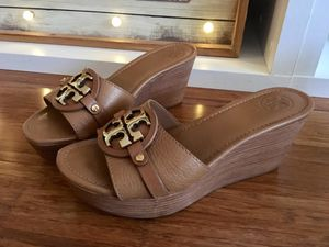 Authentic Tory burch shoes 8.5 size