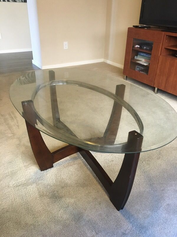 Center table w 2 end tables furniture in auburn wa for Furniture auburn wa