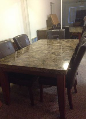 Dinning Room Table 5 Chairs Buffet Server Like New Ive Had Them Since