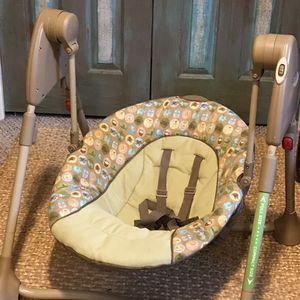 $15 Graco Portable Baby Swing with Adjustable Legs