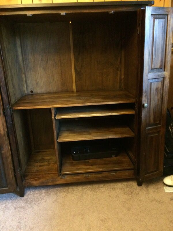 Computer amour or hutch furniture in tacoma wa offerup for Bedroom furniture 98409