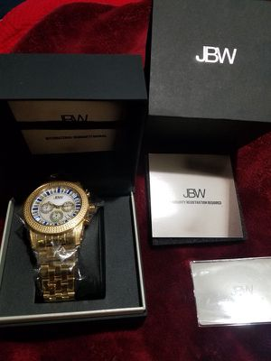 Watch JBW Brand new have all papers is original have 30 real diamond I'm pay. More $1500 fir emergency I'm sale only $800 full size no negotiable no