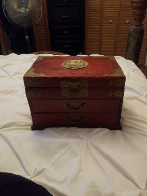 Antique Japanese wooden jewelry box Jewelry Accessories in