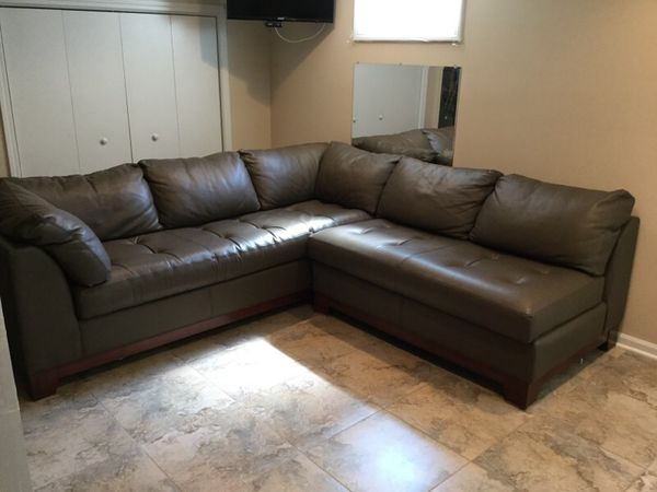 Sectional leather couch and loveseat furniture in glen for Sectional sofas everett wa
