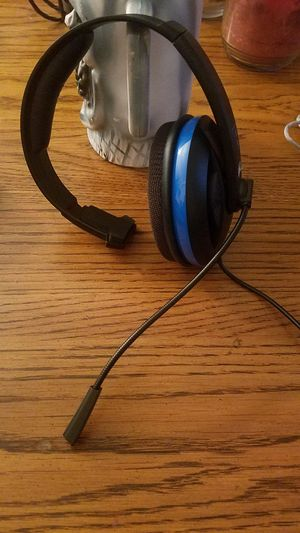Headphone and mic