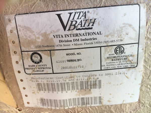 Vita Bath Jacuzzi / Soaker Tub (Home & Garden) in Chesapeake, VA