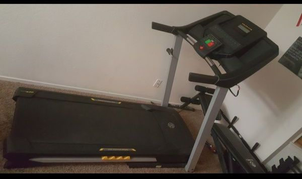 Golds gym 420 treadmill Sports Outdoors in Fresno CA