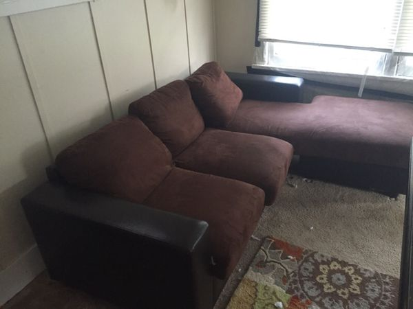 Brown couch furniture in seattle wa offerup for Furniture pick up seattle