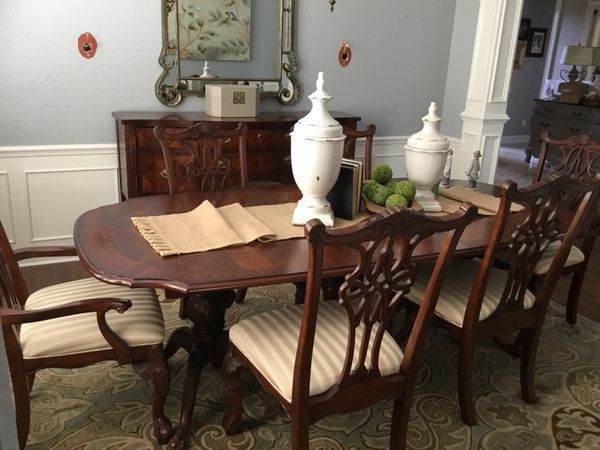Broyhill 100th Anniversary Collection Dining Room Suite Household In Davenport FL