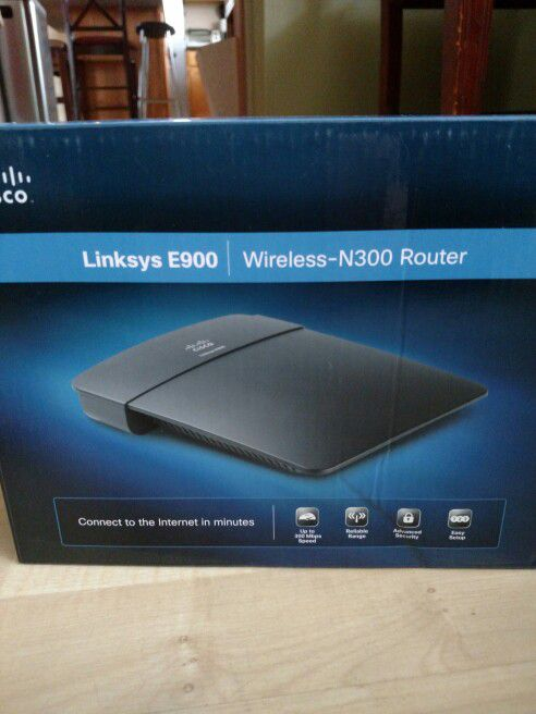 Linksys e900 wireless n300 router computer equipment in wheeling linksys e900 wireless n300 router greentooth Choice Image